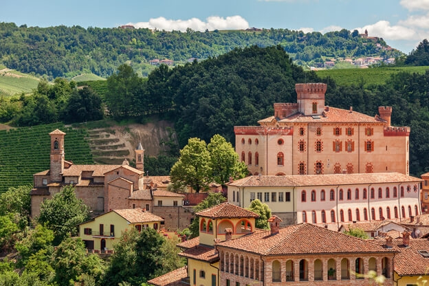 An itinerary for the summer: 3 castles in the Langhe